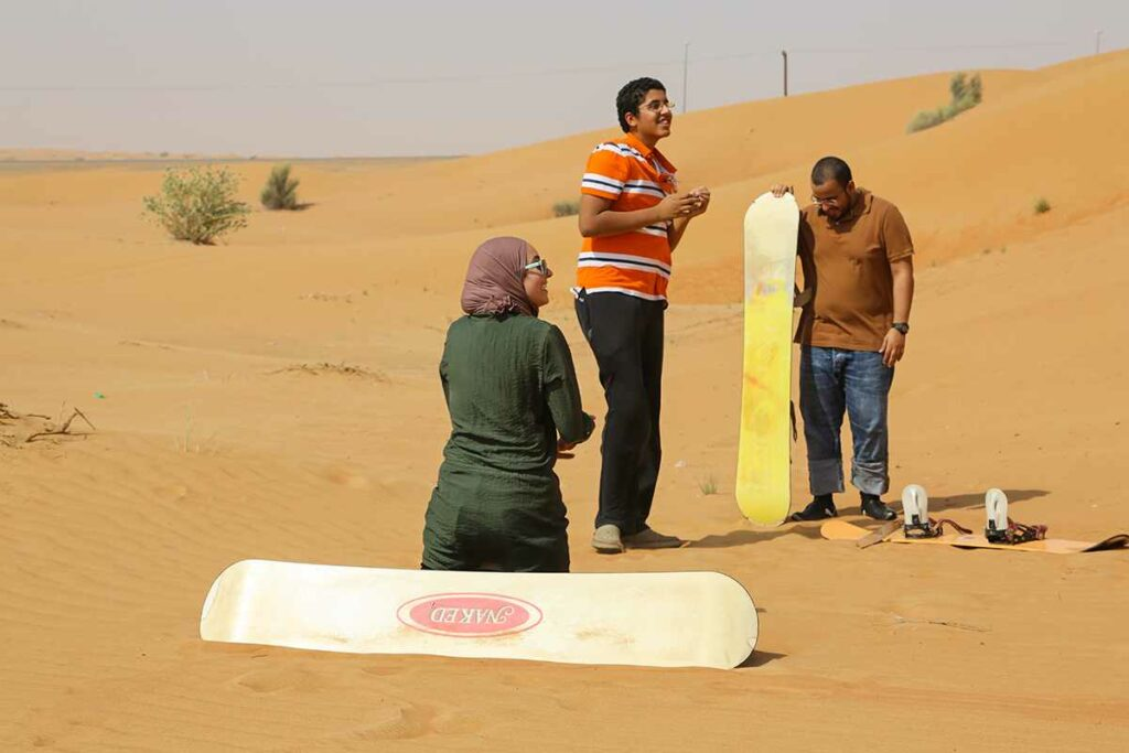 Explore Evening Desert Safari Dubai With Buffet Dinner and Belly dance