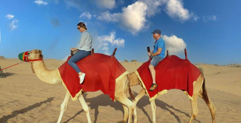 sunrise camel riding in Dubai