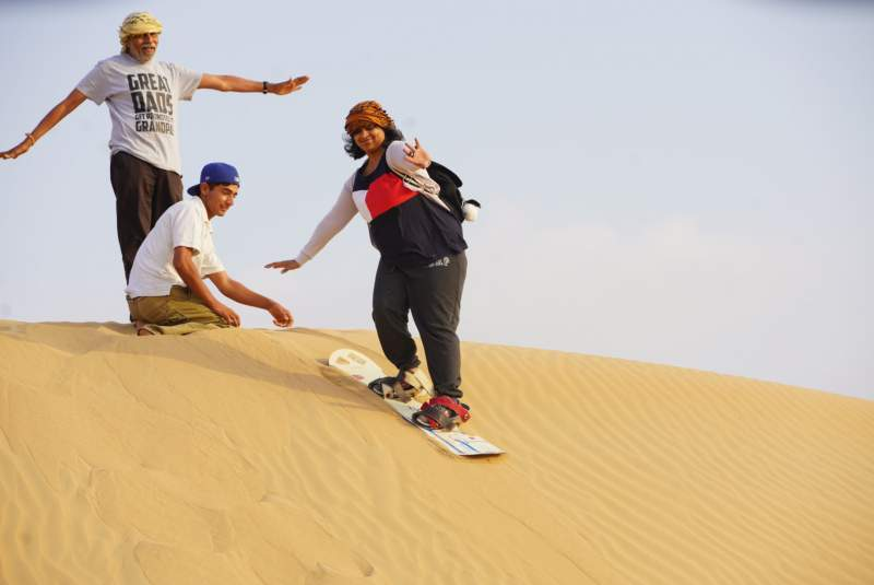 sand boarding experience in sunrise safari dubai
